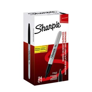 Sharpie zwarte viltstiften voordeelverpakking bestaat uit 24 stiften, waarvan er 4 gratis zijn! De marker heeft een ronde punt met een schrijfbreedte van 1.0mm